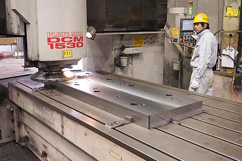 大型フライス加工 Large milling