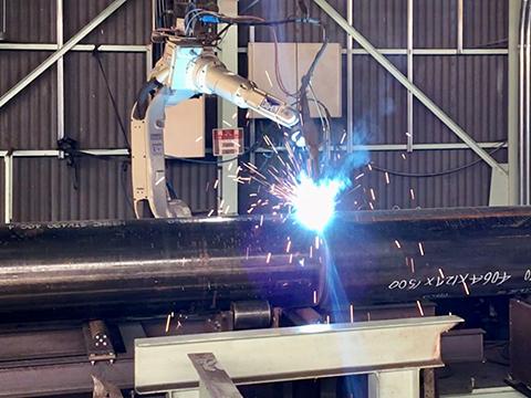 溶接ロボット(鋼管杭) ダイヘン